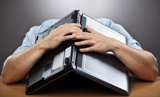 Що робити, якщо ноутбук сам вимикається